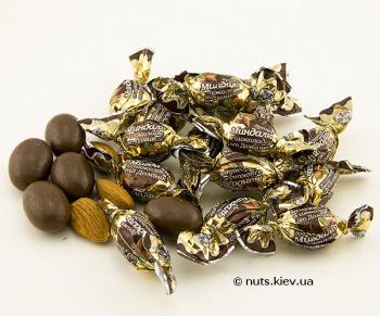 Миндаль в шоколаде драже в обертке