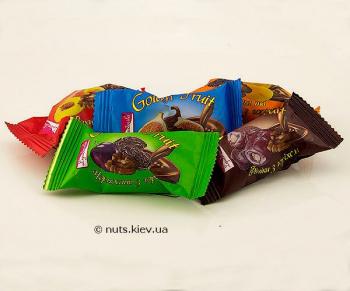 Конфеты Сухофрукты с орехом в шоколаде Ассорти